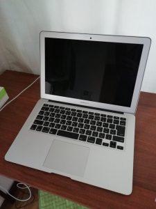 MacBook Airを撮ってみた