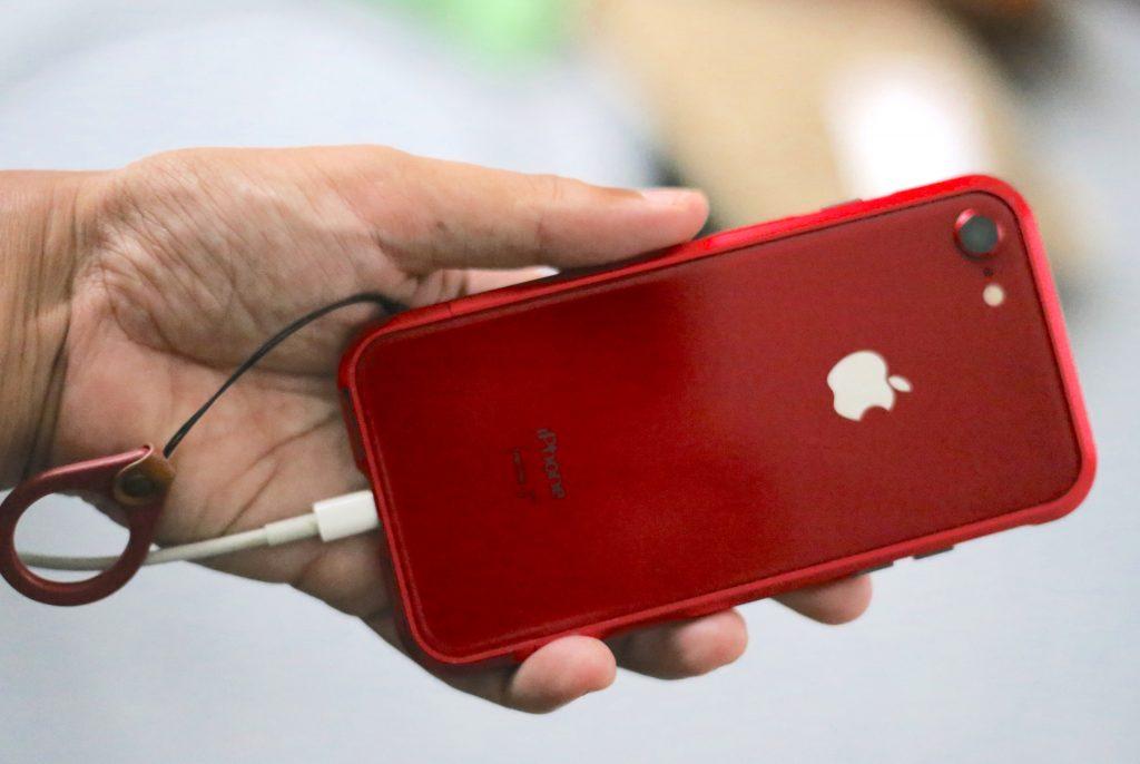iPhone8 レッド